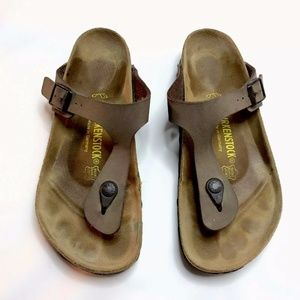 BIRKENSTOCK Gizeh Thong Sandals Brown Leather